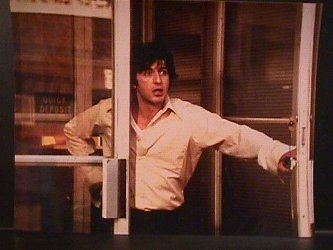 DogDayAfternoon Review: Dog Day Afternoon (1975)